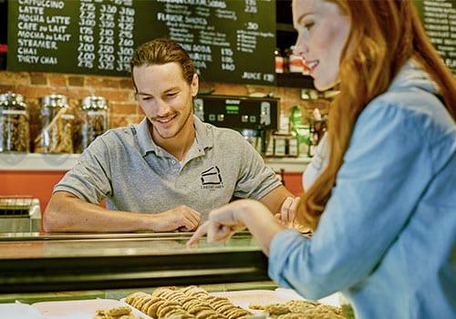 5 Tips for Ordering Custom Logo Business Apparel